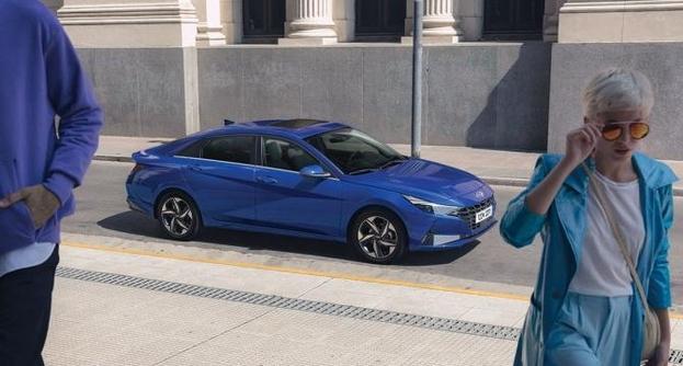 현대자동차는 준중형 세단 아반떼의 하이브리드 모델을 8월 새로 출시했다. /현대자동차
