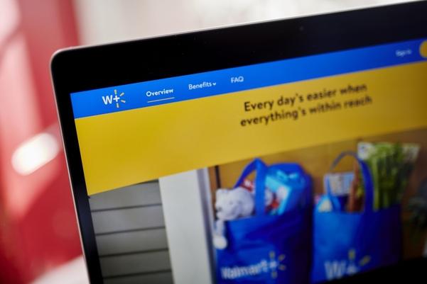 월마트가 2020년 3분기 1347억달러의 총이익을 거뒀다고 밝혔다. 월마트의 유료 멤버십 '월마트 플러스' 웹사이트 장면./블룸버그