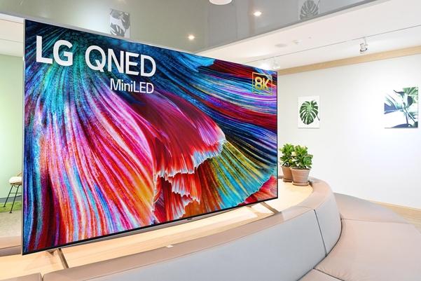 'QNED'TV 논란 … '제품 우선'LG vs '개념 우선'삼성