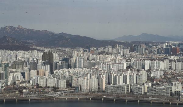 서울 아파트 3.3㎡ 당 4,000 만원 돌파 … 27 개월 만에 천만원 증가