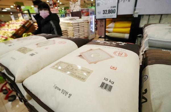 12일 서울 시내 한 대형마트 쌀 판매대의 모습. /연합뉴스
