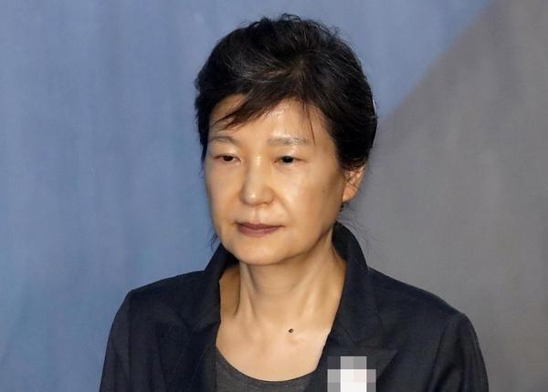 박근혜 전 대통령, 코로나 확진 판정 … 오늘의 진단 테스트