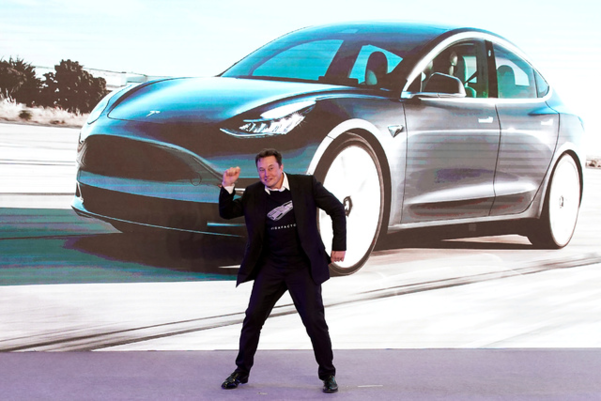 "Bitcoin으로 Tesla를 구입할 수 있습니까?  산업 ""적어도 몇 년이 걸릴 것"""