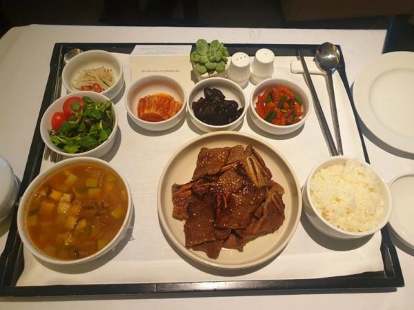 서울신라호텔의 룸서비스 인기 메뉴 갈비 반상의 가격이 지난달 5만8000원에서 6만원으로 인상 됐다. / 사진=독자 제공