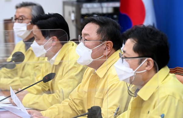 """20 兆 추가 시간표 확정 … 與 """"다음 달 18 일 추가 청구 처리"""""""