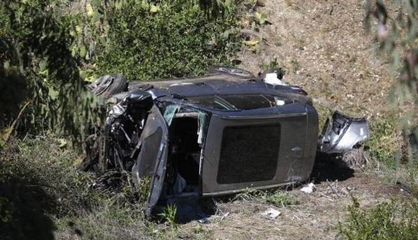 """타이거 우즈, """"교통 사고는 기억 나지 않는다""""… """"발견 당시 의식을 잃었다""""목격자"""