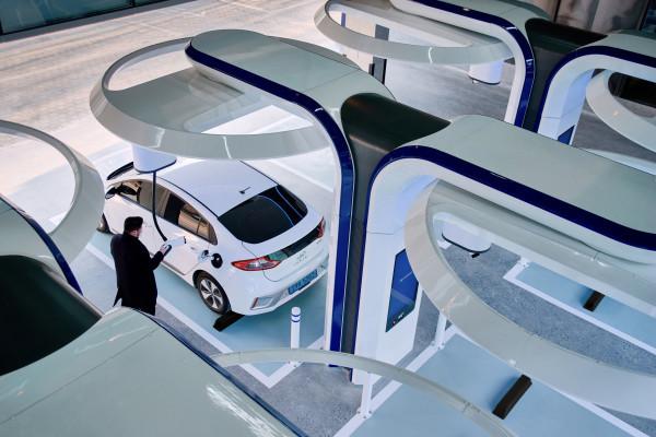 [단독] 전기차 바이어 기업에 무료 충전기 설치 … 현대 자동차와 STRAPIC