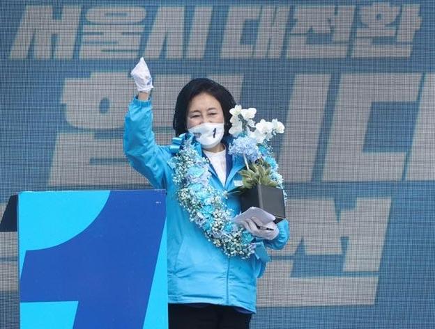 """논란 '물질적 결정'… 박영선 """"사전 논의 없음""""오세훈 """"관심 없음"""""""