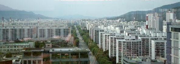 """""""규제가 덜한 서울 외곽, 9 억 원 이하 LTV는 높다 … 집값 하락에 더 취약하다"""""""