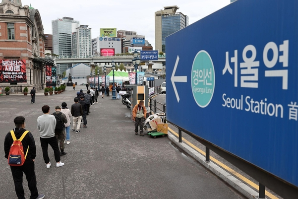 [코로나19 발생현황] 신규 확진 자 473 명 … '휴일 효과'6 일 400 명 (총)