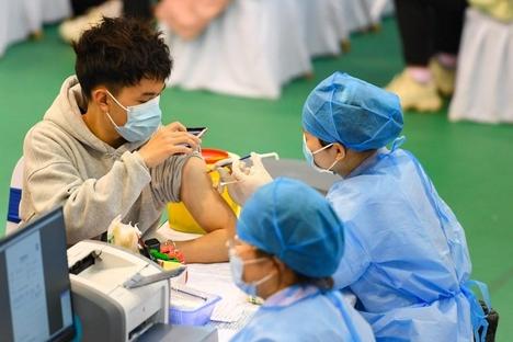 '협박도 안 해'… 예방 접종률 4 %에 불과한 중국의 우려