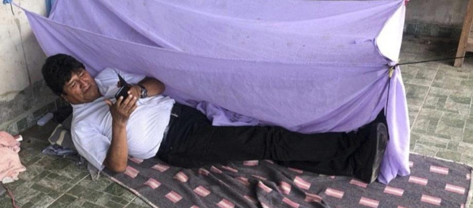 은신처로 피신, 모랄레스 대통령…멕시코 '전화로 요청, 망명 허용'