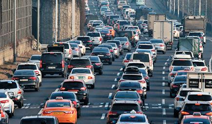 국민 46% '자가용이 짐'… 마이카 시대 저물어간다