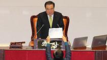 文의장 '3당 합의 못하면 내일 선거법 등 본회의 상정'